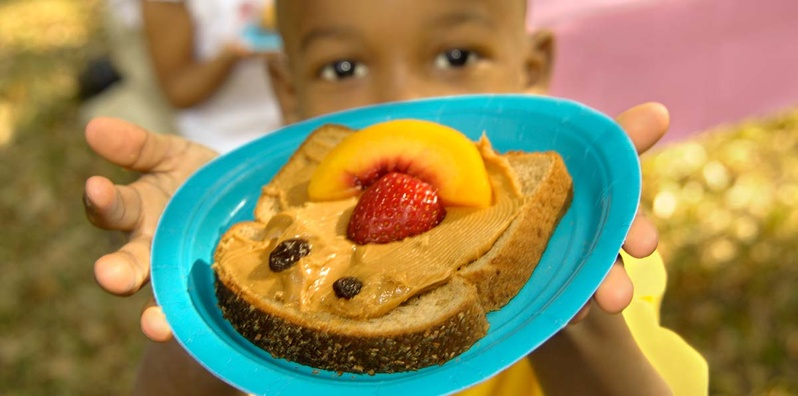Tips for Feeding 2-5 Year Olds class image